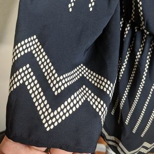 Lulu's Dresses - Lulu's Boho Aztec Print Long Sleeves Dress V Neck